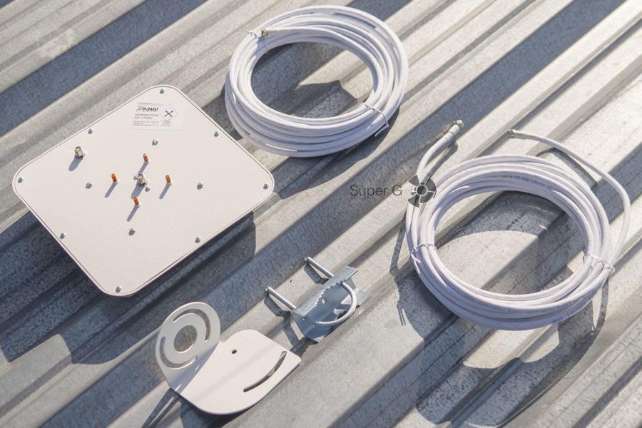 Комплект для крепления антенны на мачте