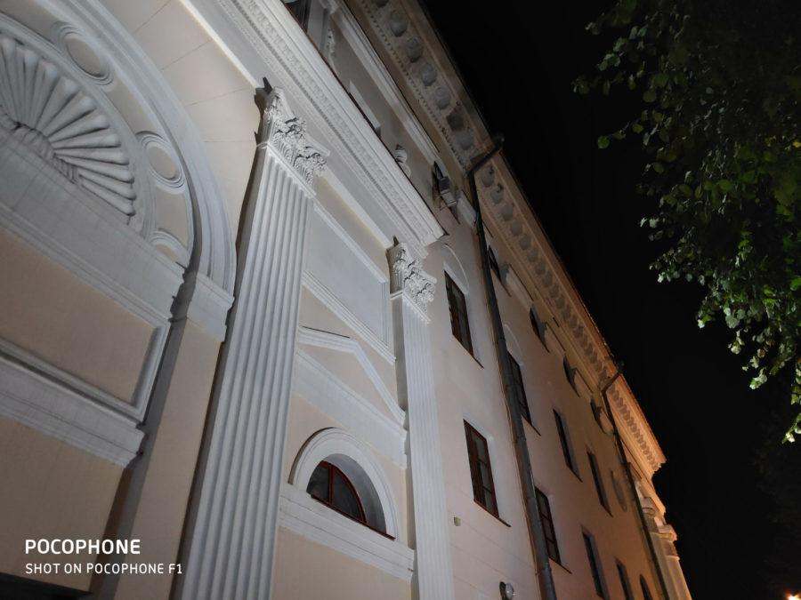 Пример ночной съёмки с камеры Pocophone F1