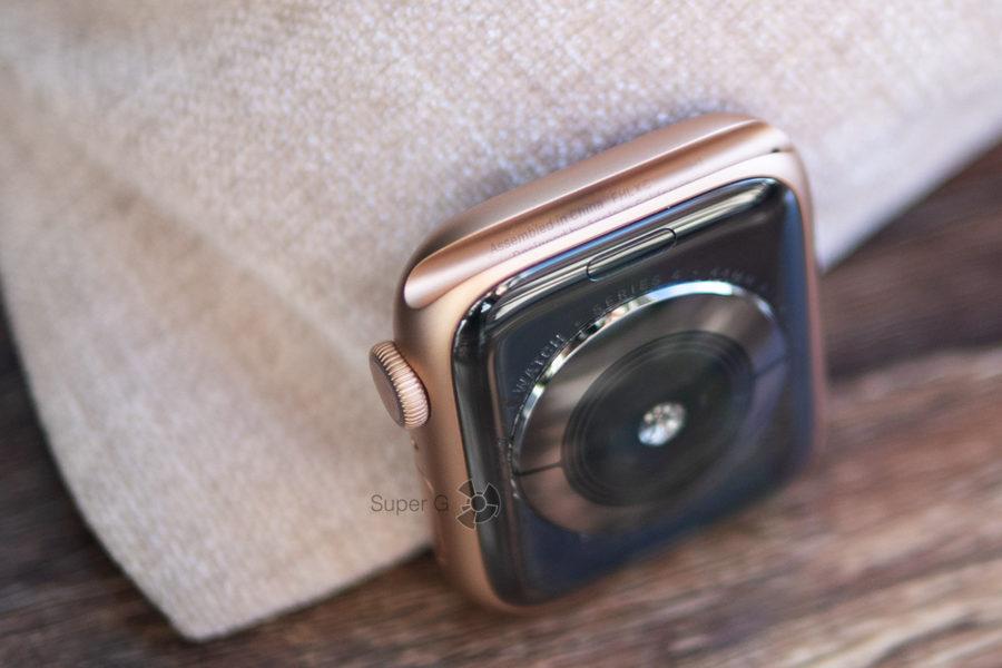 Серийный номер Apple Watch Series 4 отображается на внутренней поверхности крепления для ремешка