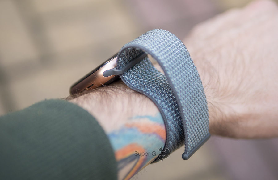 Нейлоновый ремешок для Apple Watch Series 4