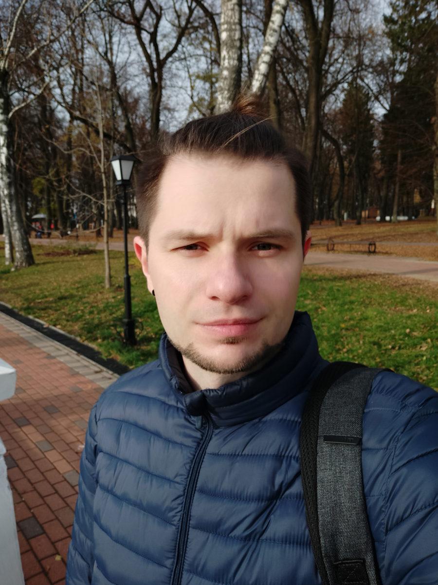 Режим улучшения лица - пример фото с фронтальной камеры Xiaomi Mi8 Lite