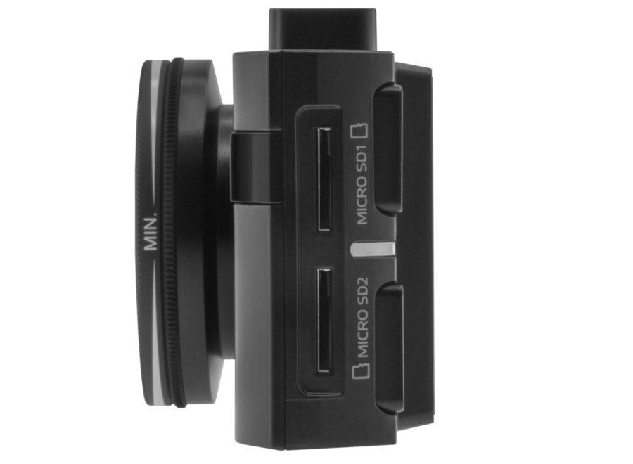 NEOLINE X-COP 9200 имеет слот сразу под две карточки Micro SD