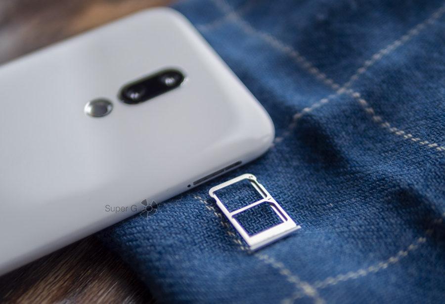 Meizu 16x имеет лоток под две Nano SIM-карты. Карточки памяти Micro SD вставлять некуда
