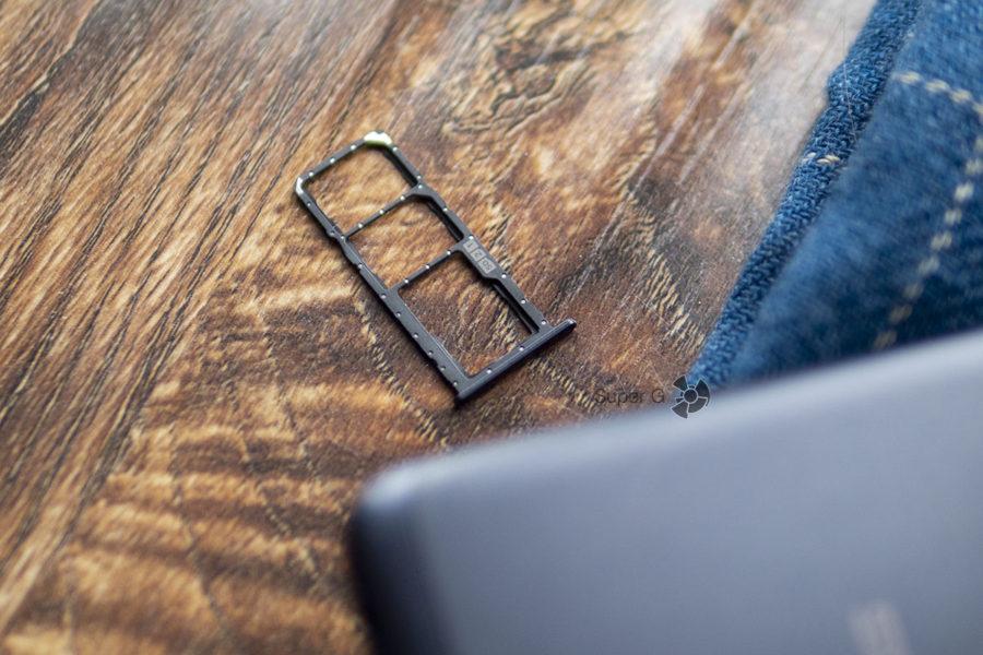 Asus Zenfone Max (M2) получил независимый лоток под две Nano SIM и Micro USB