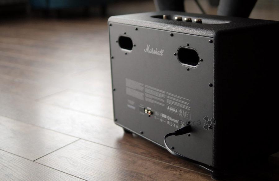 Marshall Woburn II Bluetooth можно подключить при помощи тюльпанов RCA