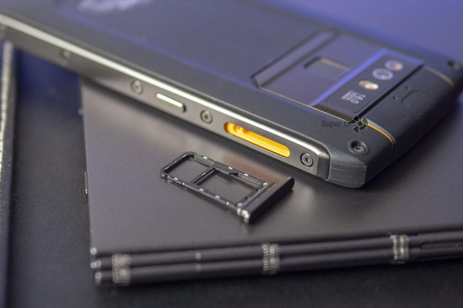 Cubot King Kong 3 поддерживает установку двух SIM-карт (слот комбинированный)