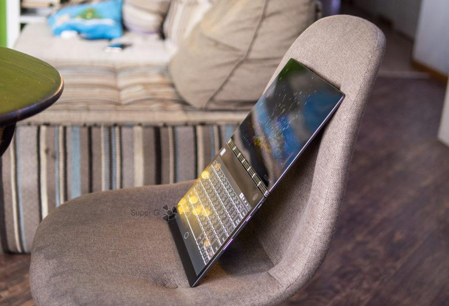 Lenovo Yoga Book раскладывается на 360 градусов