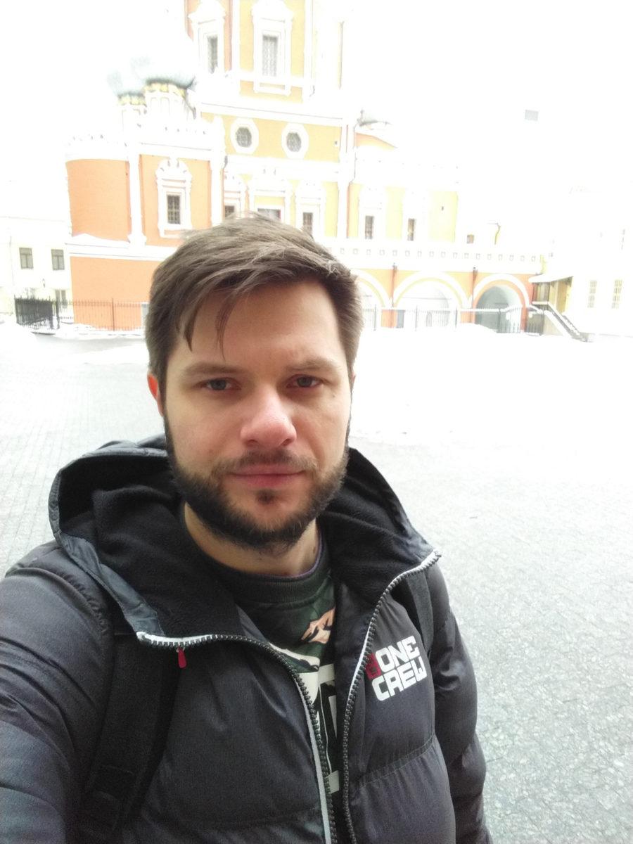 Пример фото с фронтальной камеры Яндекс.Телефоны