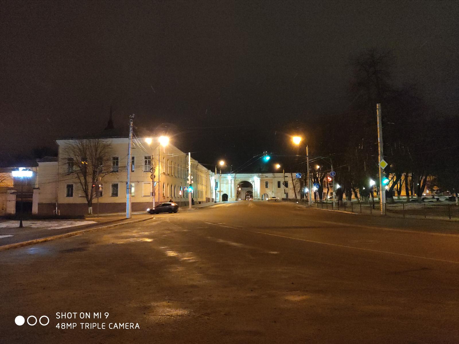 48 Мп пример фото (ночь) с камеры Xiaomi Mi 9