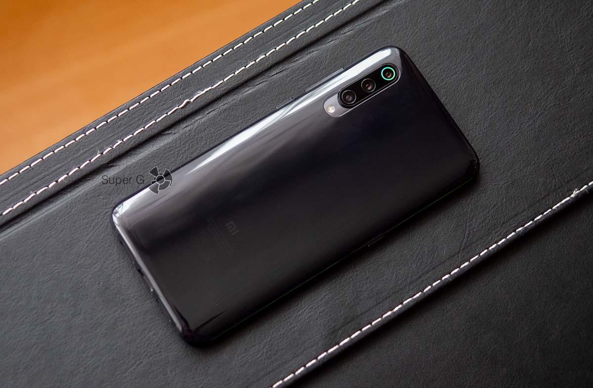 Чехол для Xiaomi Mi 9 из комплекта