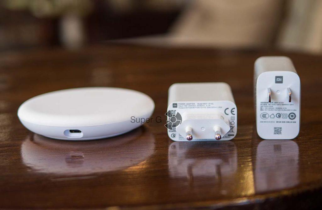 Беспроводная зарядка Xiaomi Mi Wireless Charger 20 Вт и два варианта адаптера