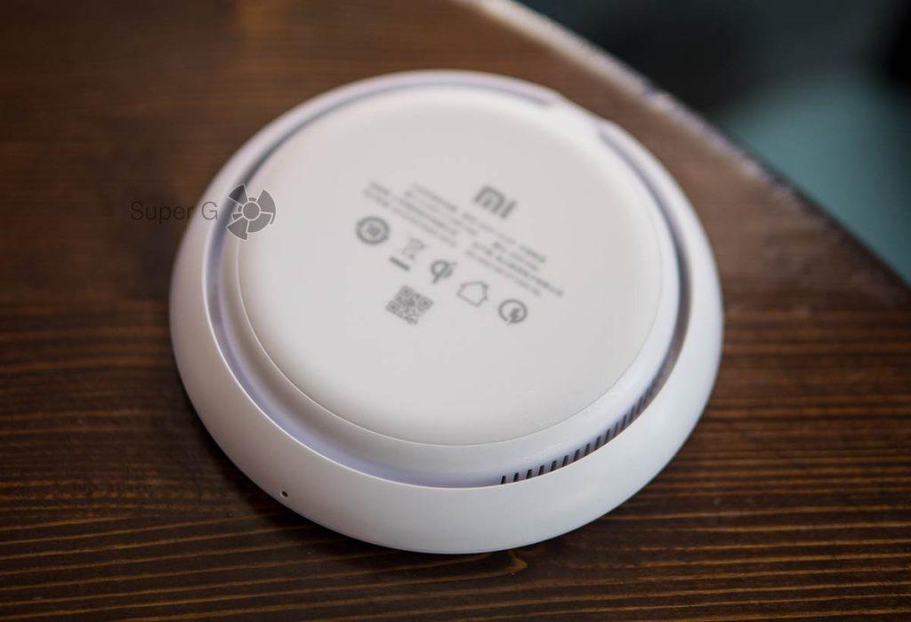 В зарядку Xiaomi Mi Wireless Charger 20 Вт встроен кулер для охлаждения