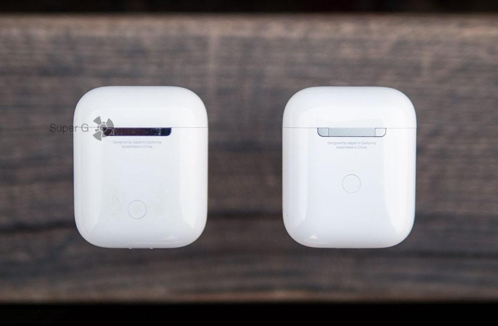 Первое поколение Apple AirPods слева, второе поколение Apple AirPods 2 справа