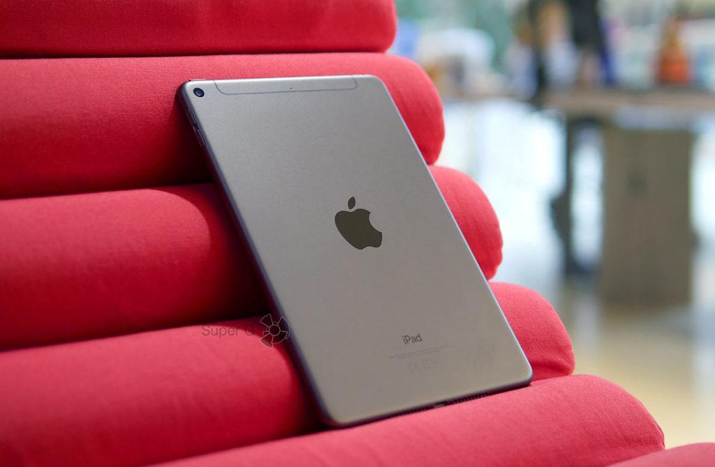 Apple iPad mini 5 Wi-Fi 64 ГБ