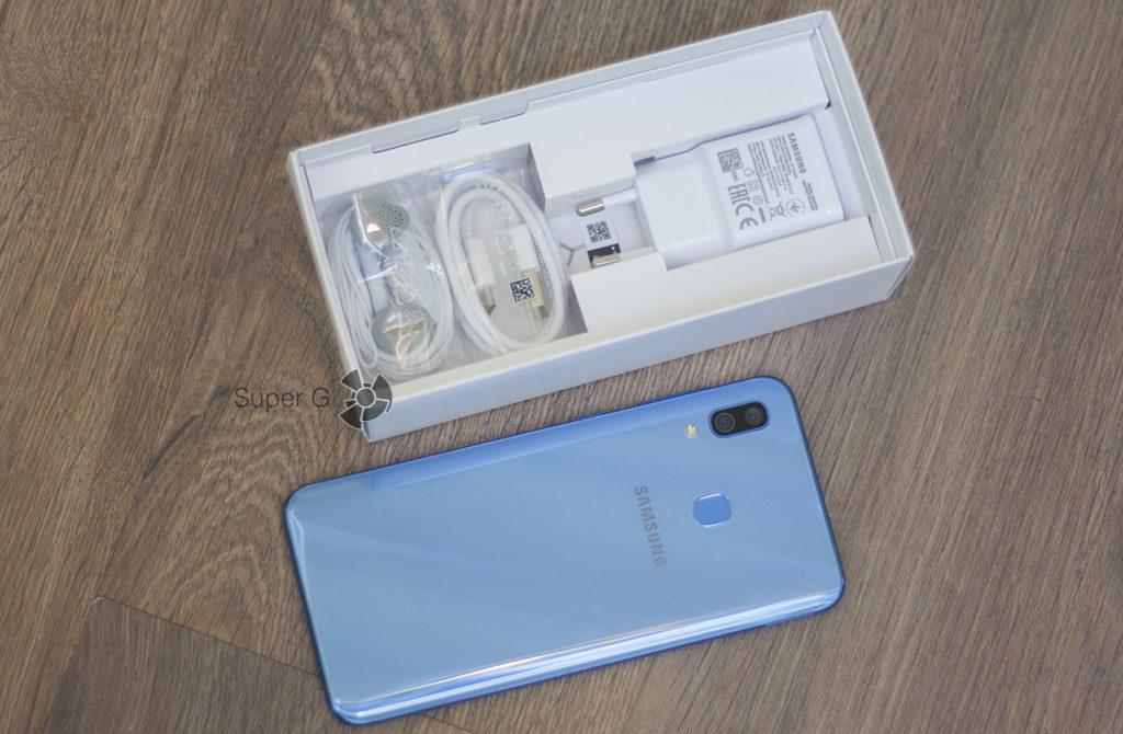 Комплект Samsung Galaxy A30