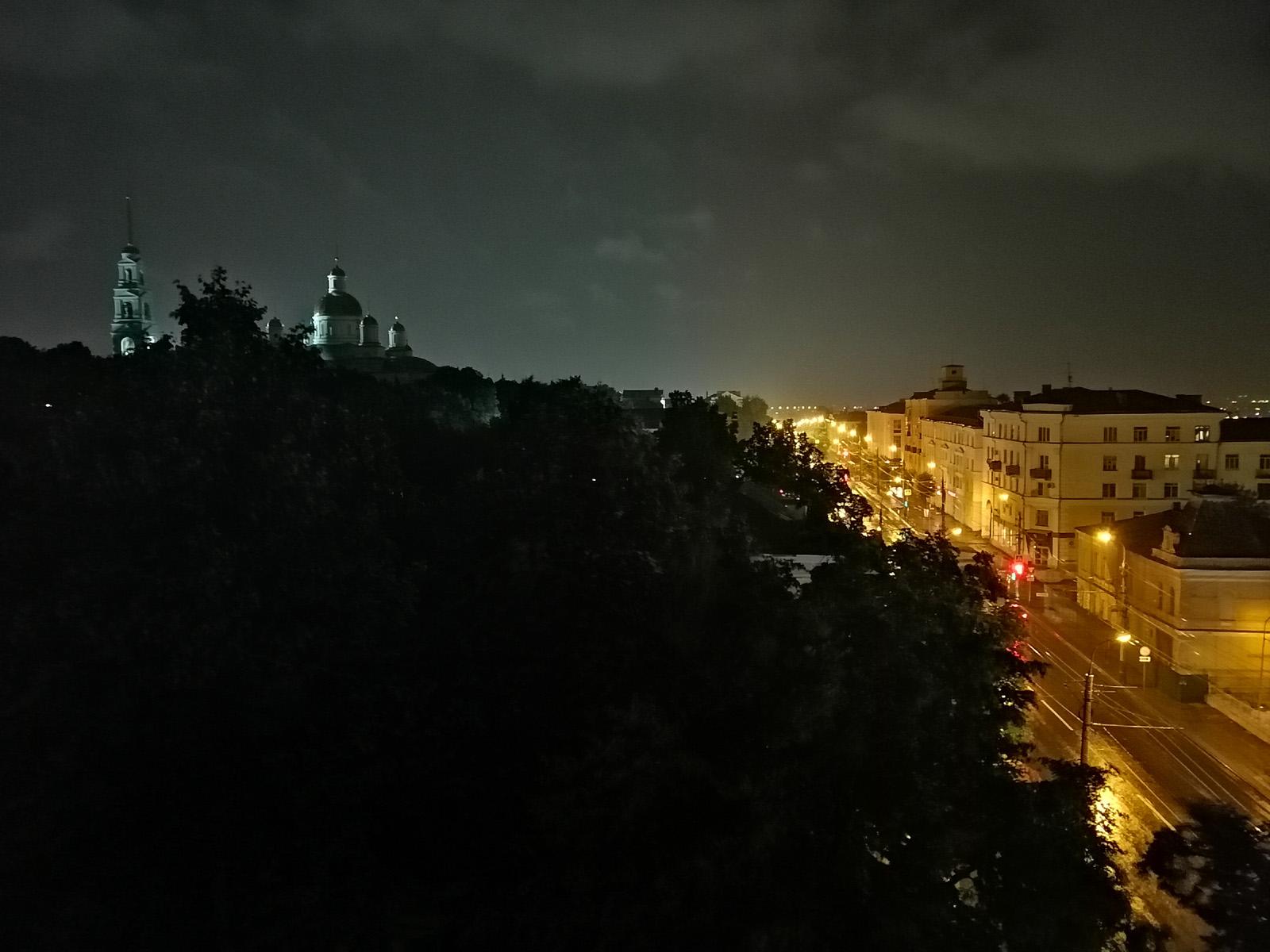 Ночной режим на фото с камеры Huawei P Smart Z
