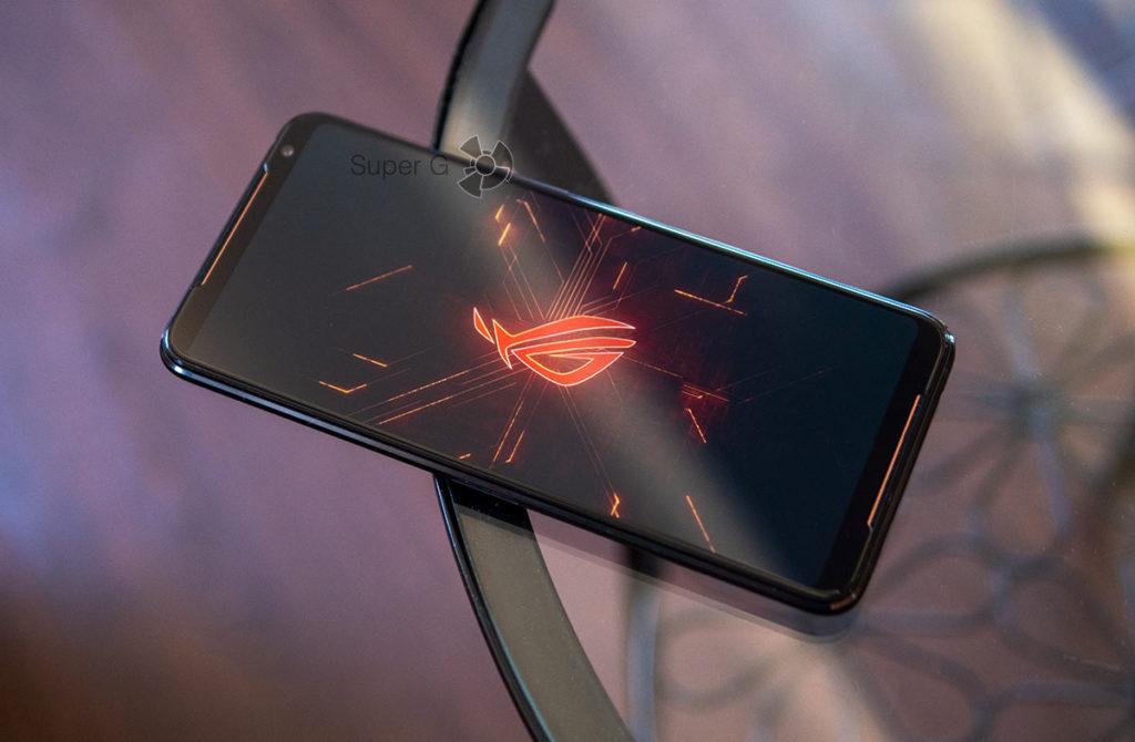 Смартфон ASUS ROG Phone 2 с 12 ГБ оперативной памяти