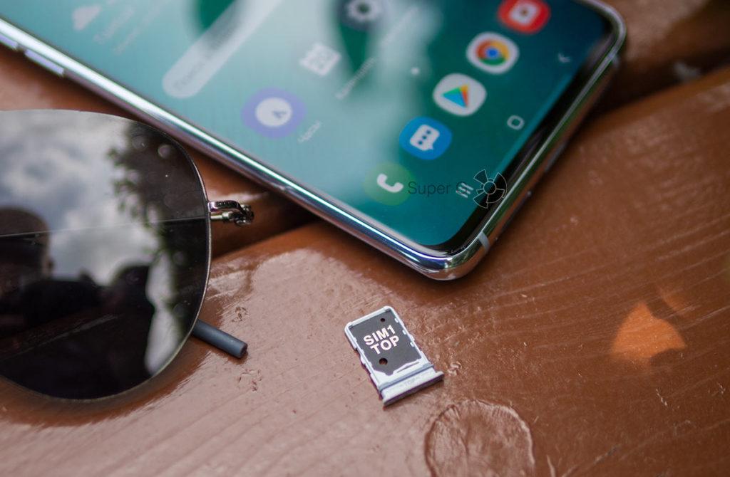 Слот для SIM-карт в Samsung Galaxy A80 без отдела для Micro SD