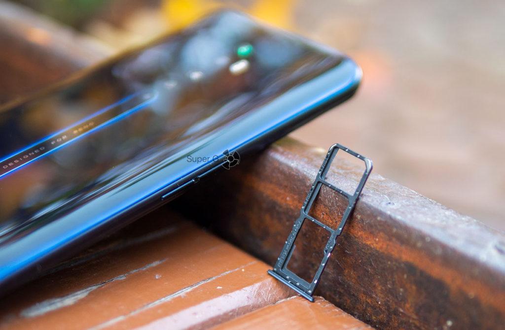 Слот для SIM-карт и Micro SD в OPPO Reno 2Z раздельный
