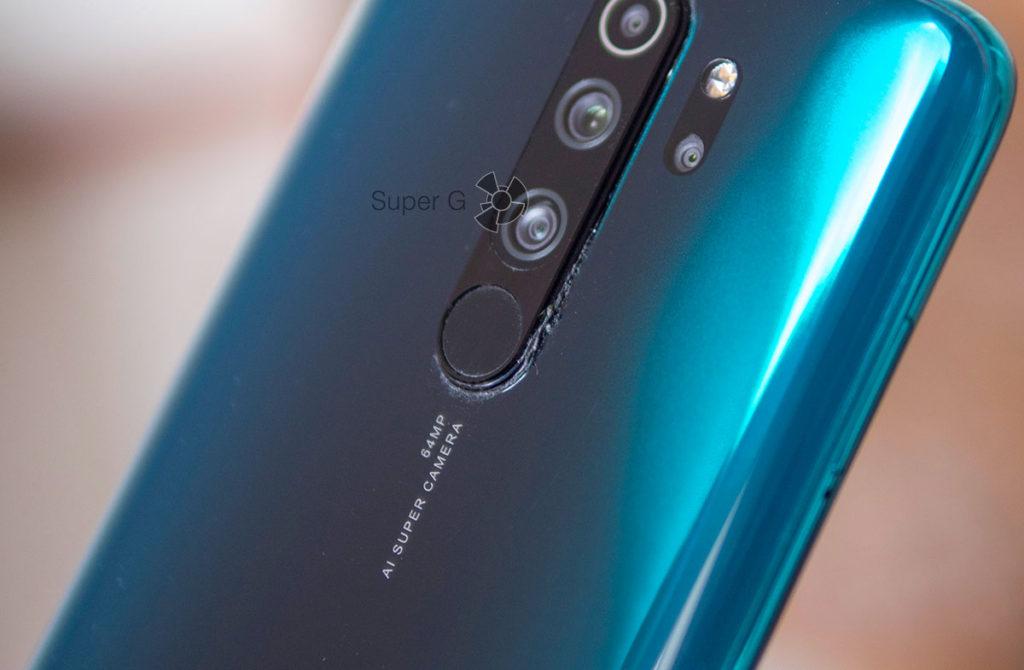 Брак с завода в Redmi Note 8 Pro - клей под камерой