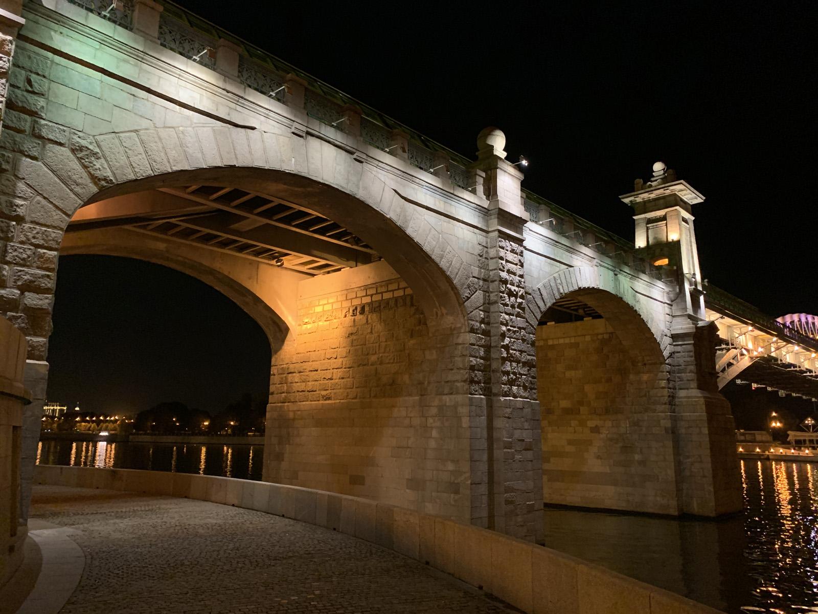Пример ночной фотографии с iPhone XR