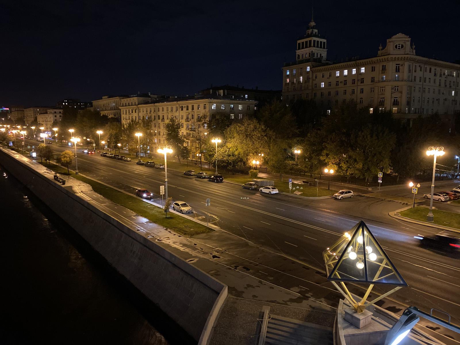 Пример ночной съёмки на iPhone 11