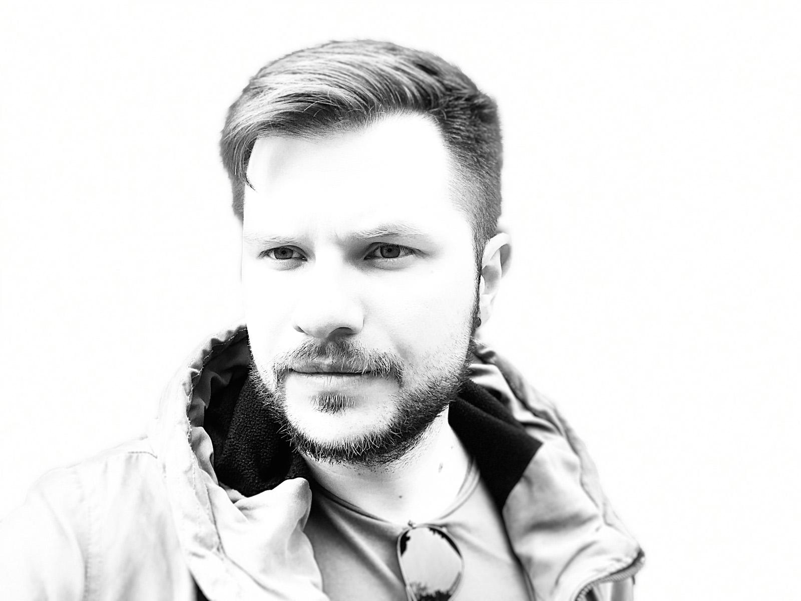 iPhone XS Max - фронтальная камера, светла тональность