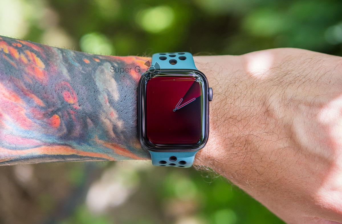 Затемненный экран Apple Watch 5