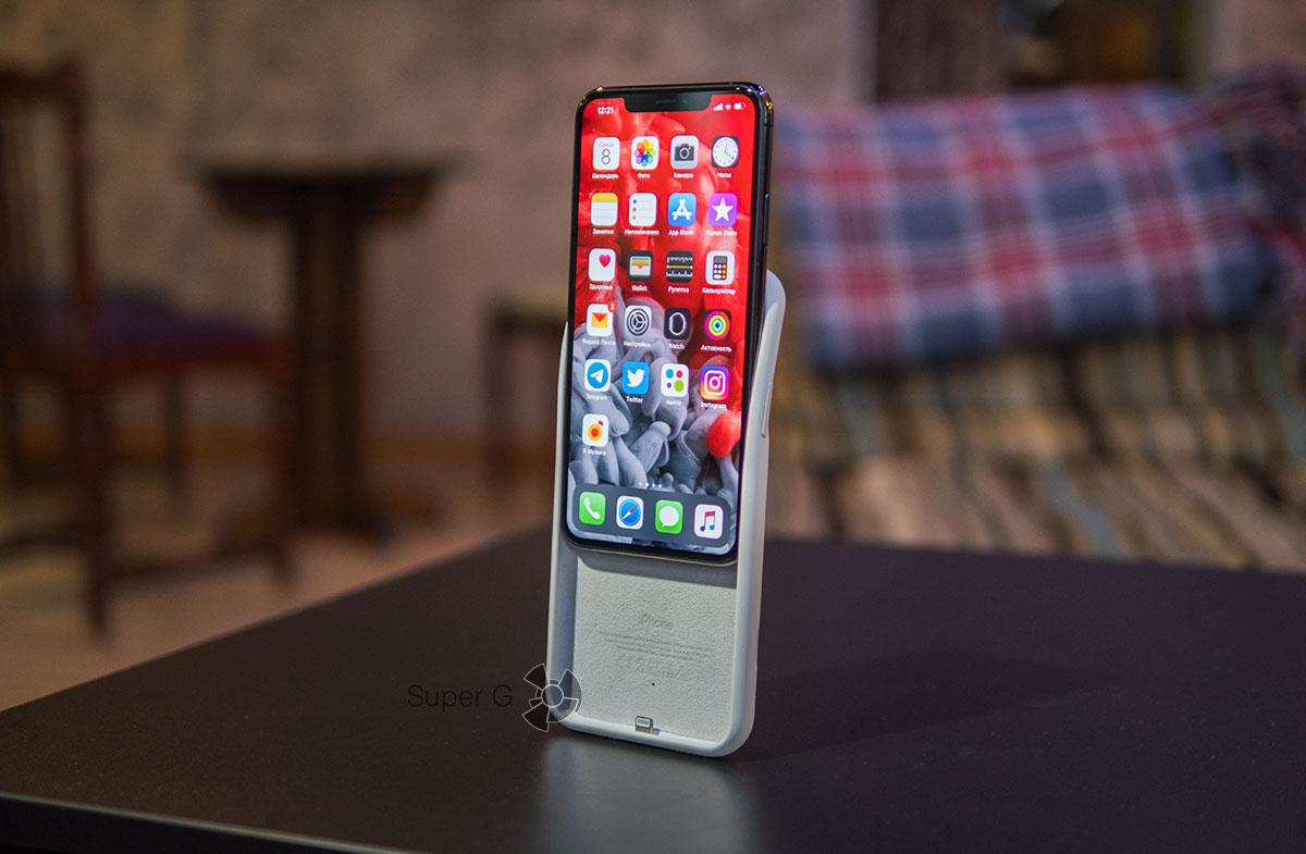 Как одеть чехол Apple Smart Battery Case для iPhone 11 Pro Max