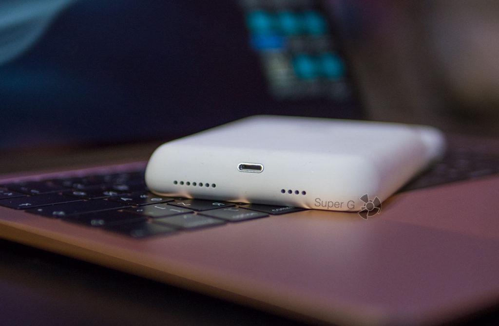 Разъём Lightning дублируется на чехле Apple Smart Battery Case