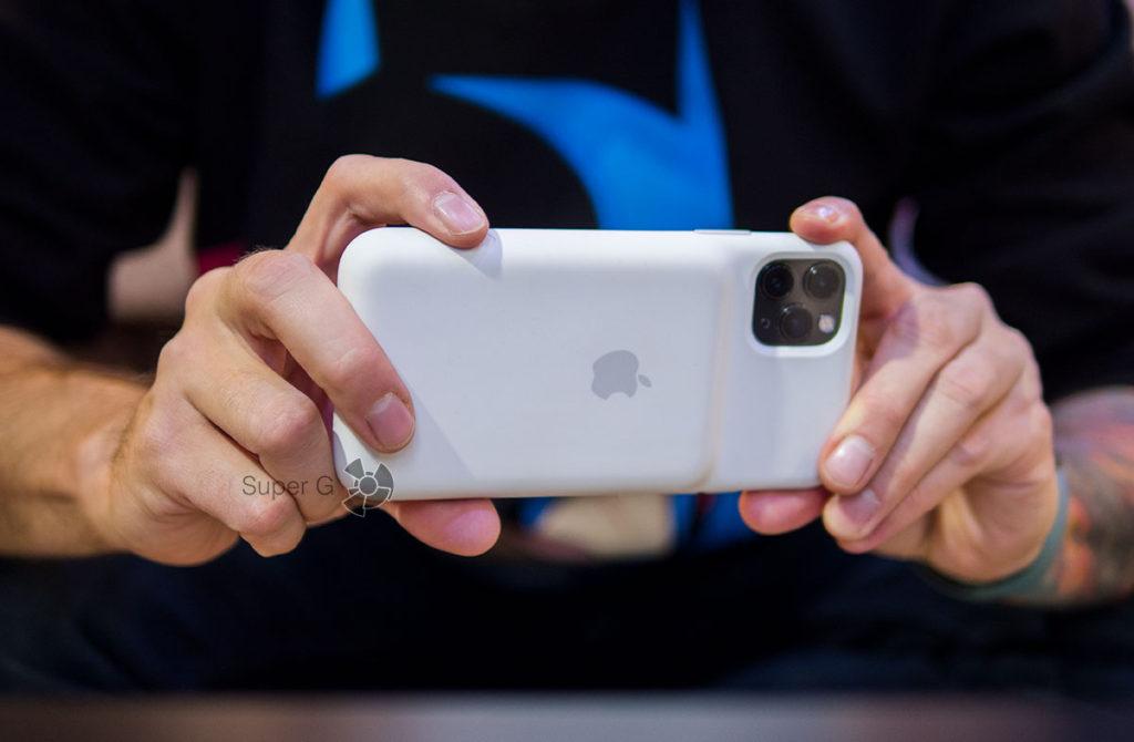 Кнопка камеры в чехле Apple Smart Battery Case