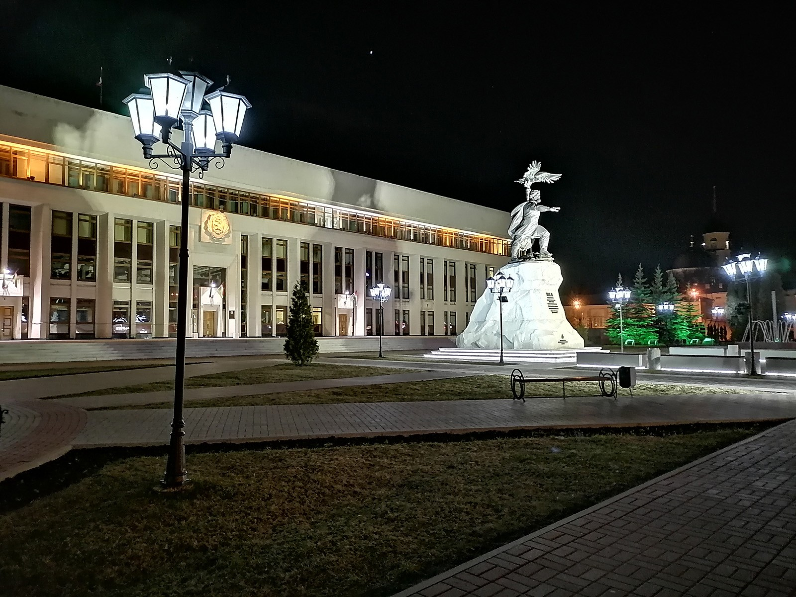 Ночной режим пример фото Huawei P40 lite E