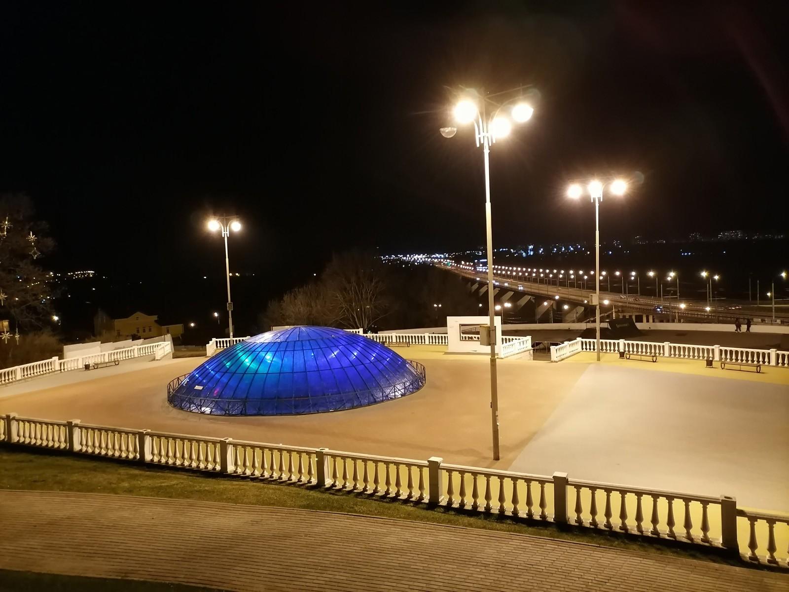 Ночной пример фото с камеры Huawei P40 lite E