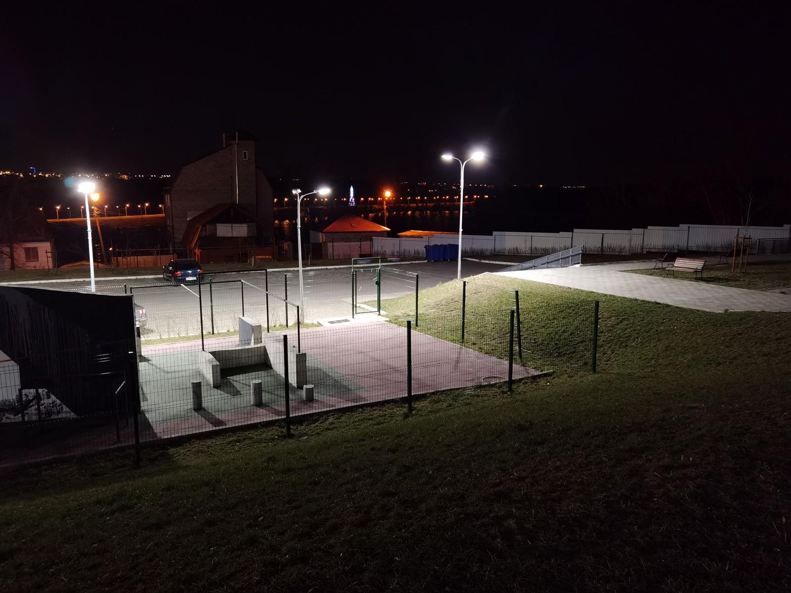 1x пример снимка ночью на основную камеру Huawei P40 Pro