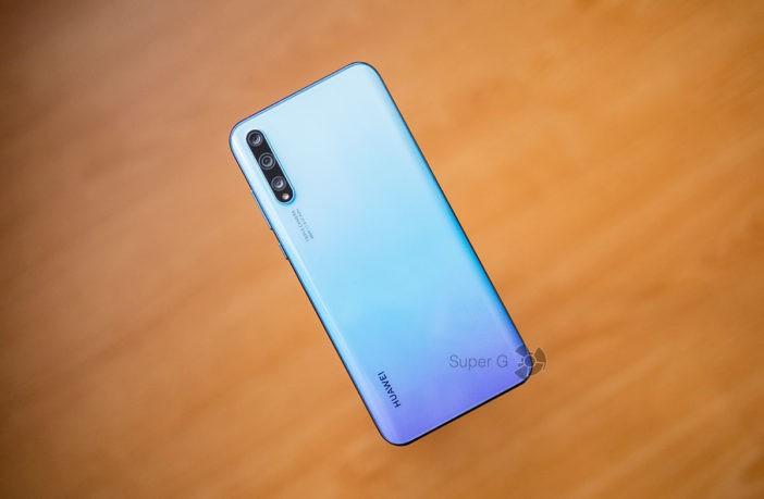 Обзор Huawei Y8p