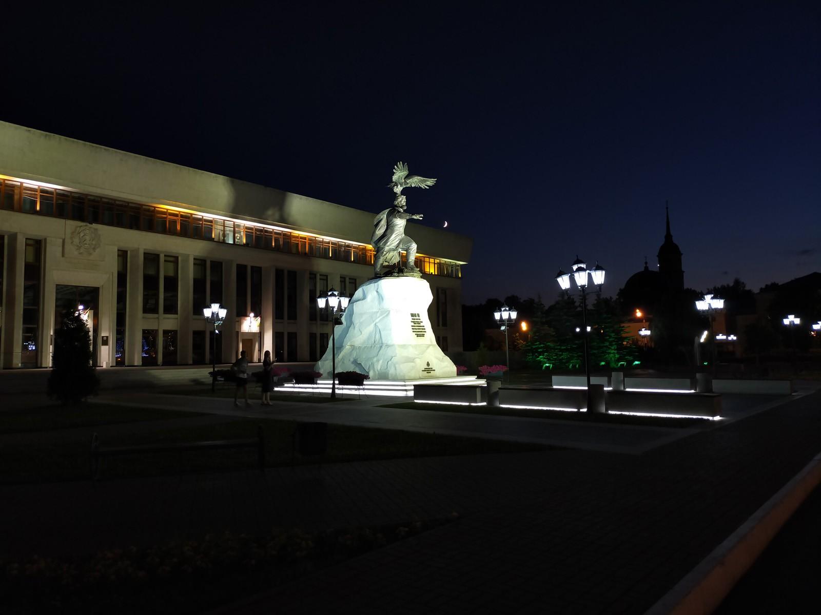 Пример ночного фото с основной камеры OPPO A72