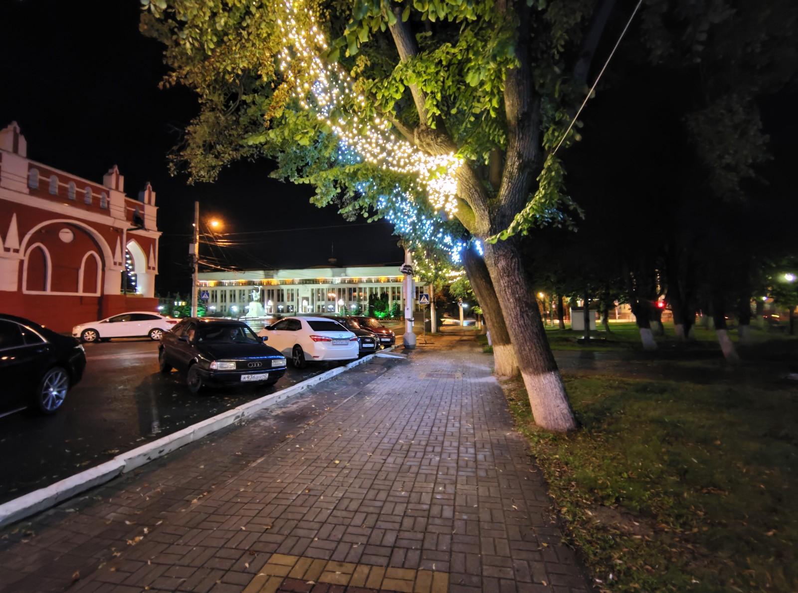 Пример фото с широкоугольной камеры ночью на ASUS ROG Phone 3