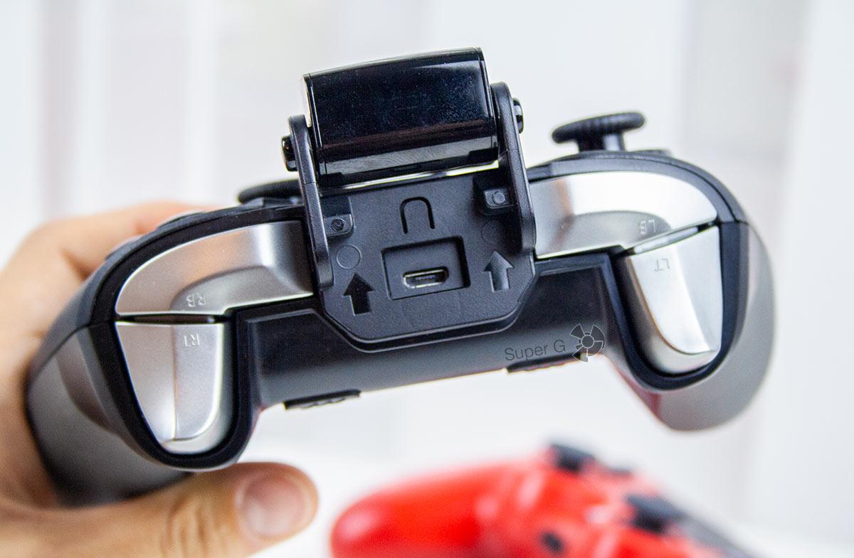 Крепление для смартфонов в FlyDigi Apex