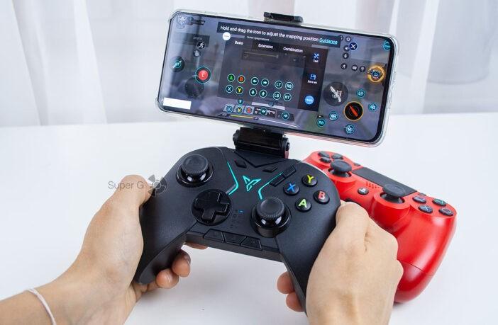 Играть на геймпаде для смартфонов FlyDigi Apex