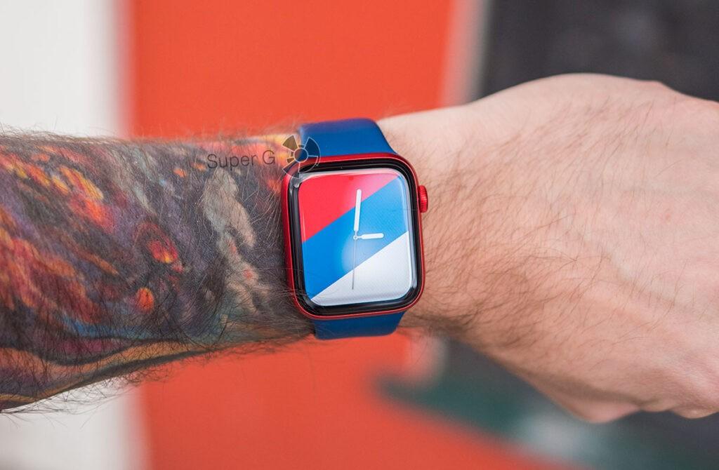 Apple Watch Series 6 циферблат с российским флагом