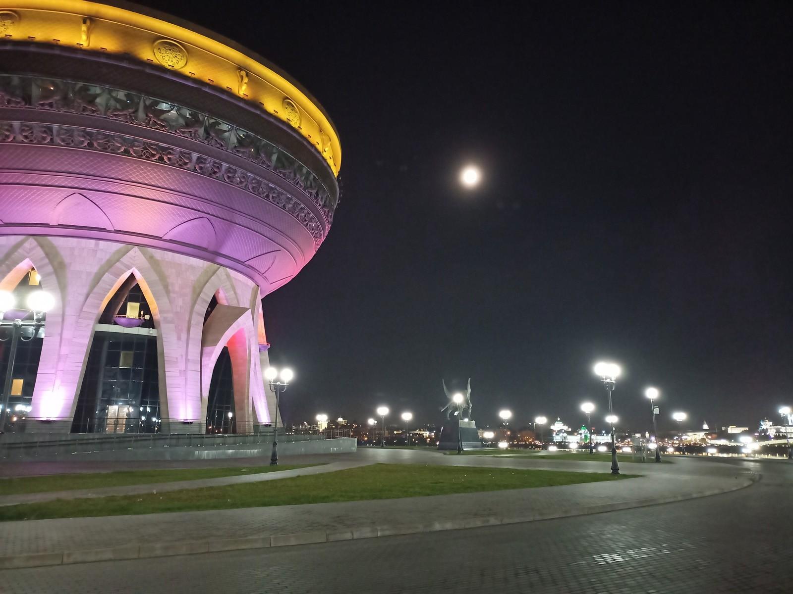 Пример ночного фото с Realme 6s