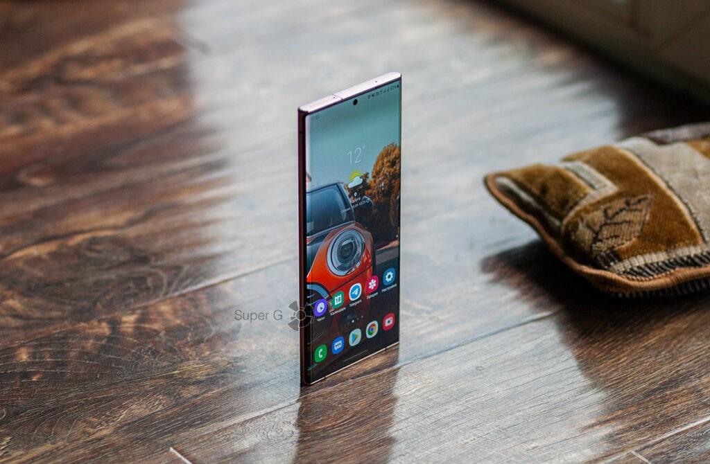 Изогнутый экран Samsung Note 20 Ultra