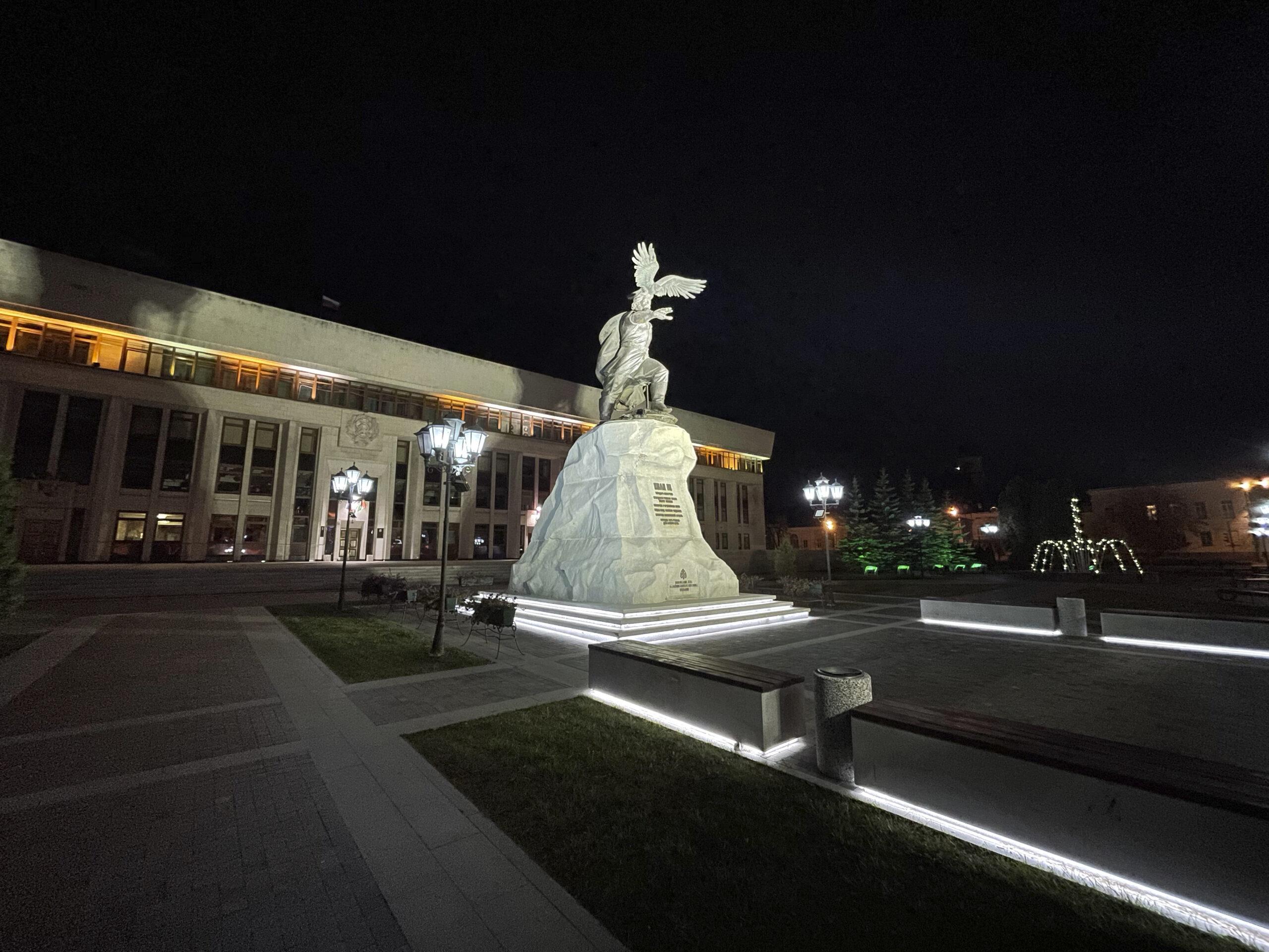 Пример ночного фото на сверхширокоугольную камеру iPhone 12