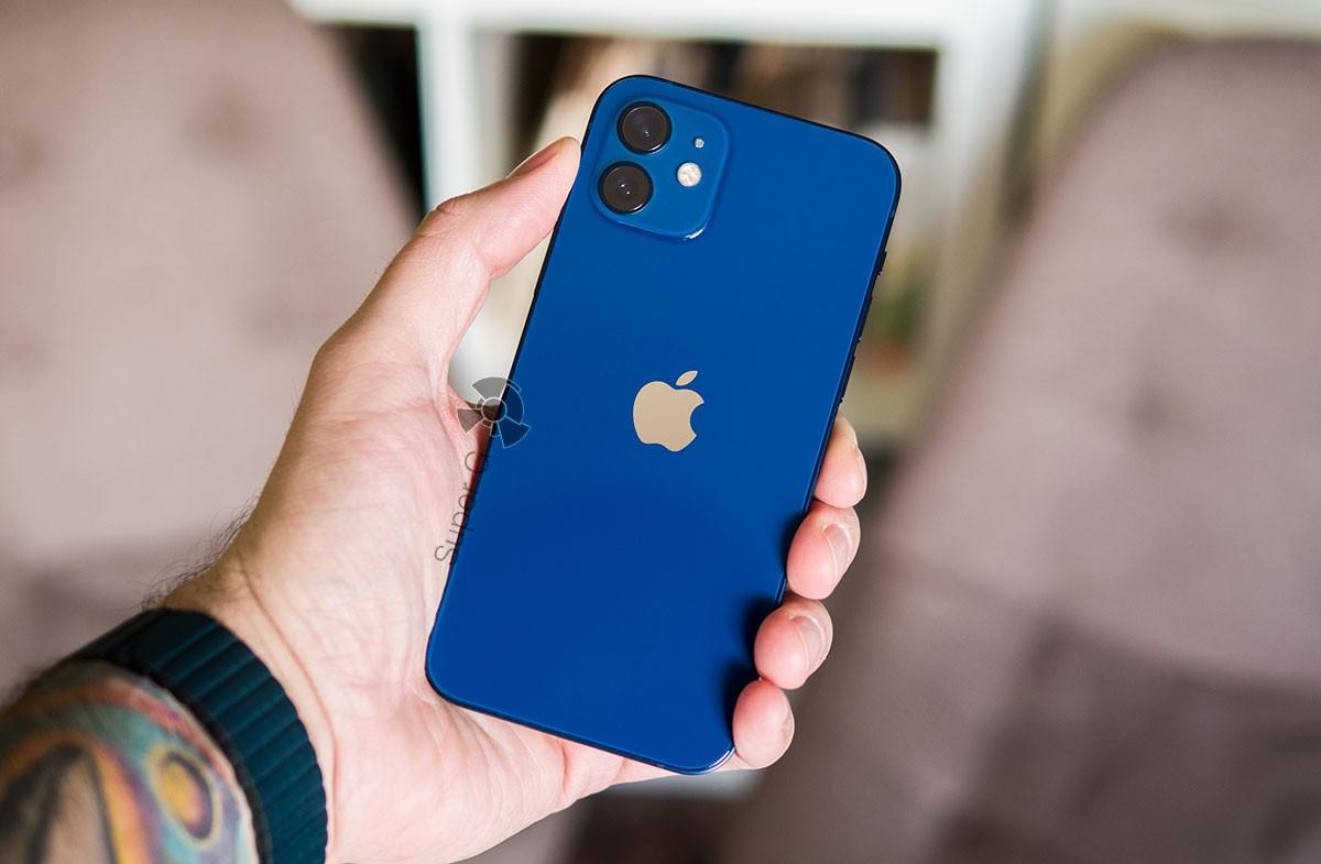 Смартфон iPhone 12 256 ГБ