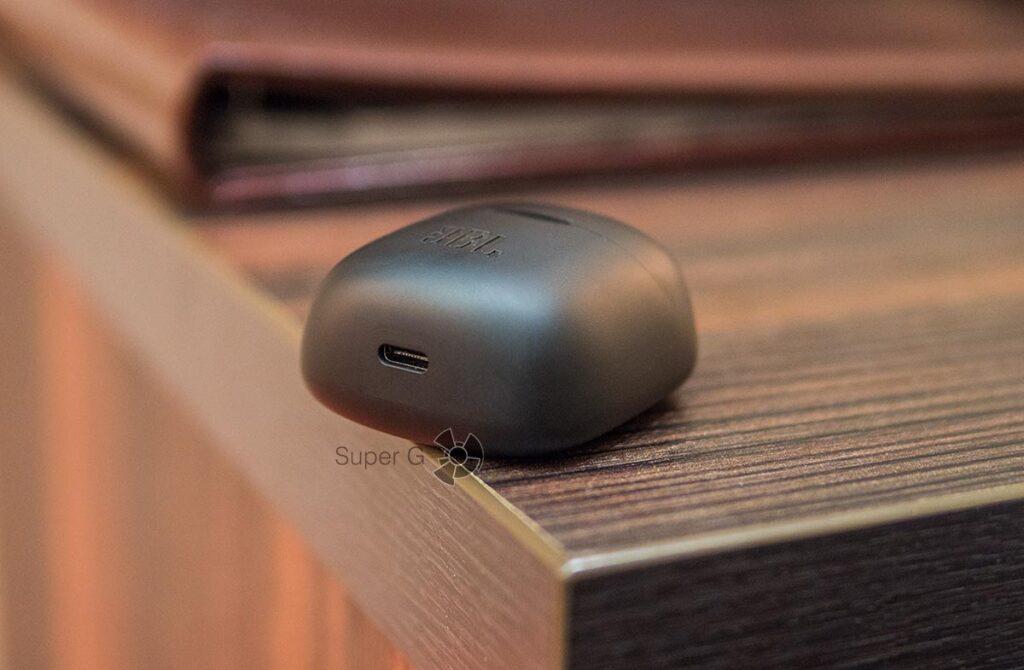 JBL Tune 225 TWS зарядка USB-C