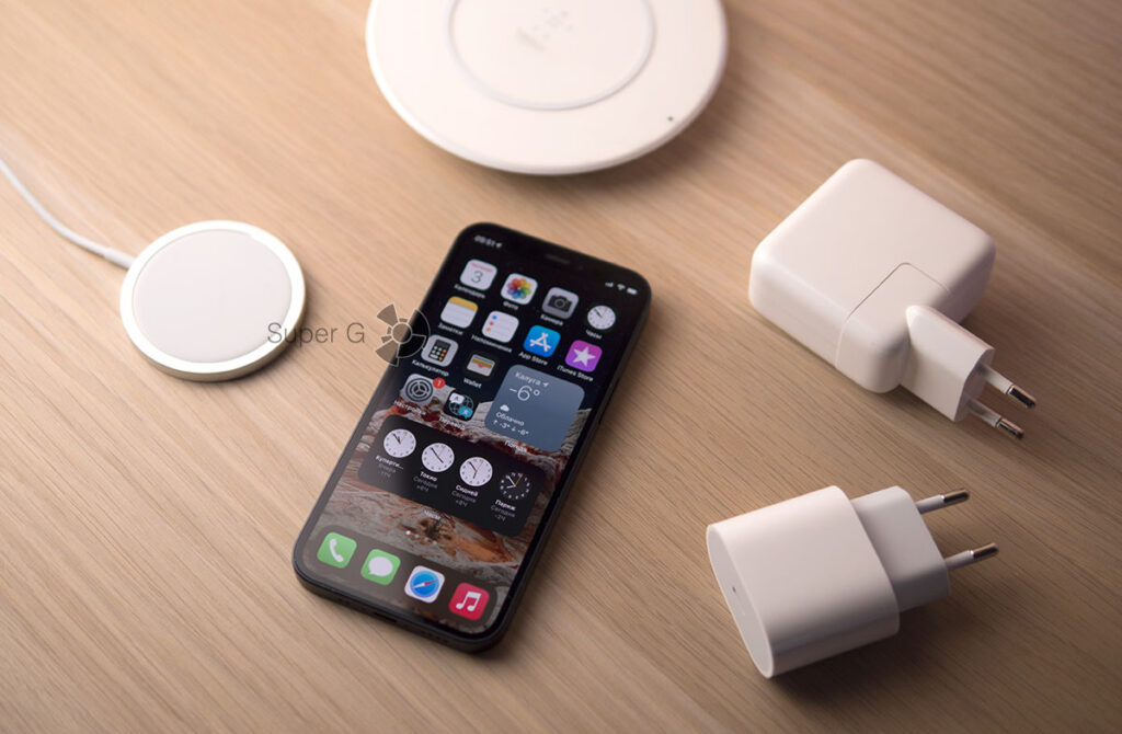 Зарядки для iPhone 12 mini