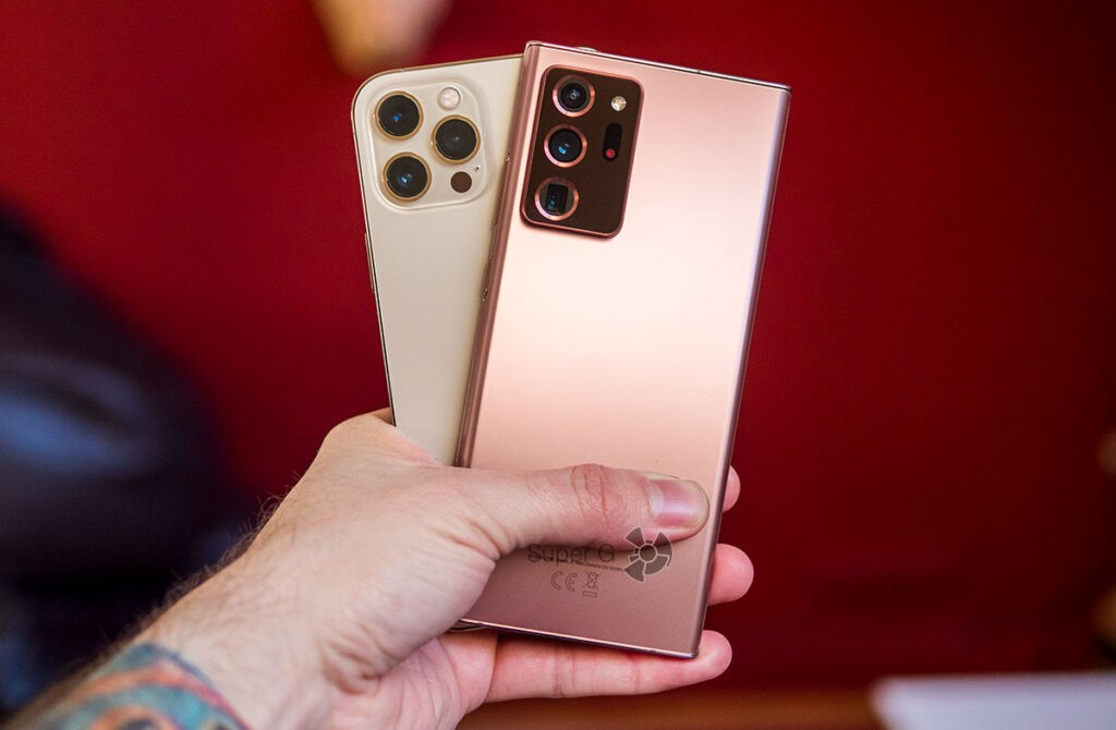 Камеры Samsung Note 20 Ultra и iPhone 12 Pro Max
