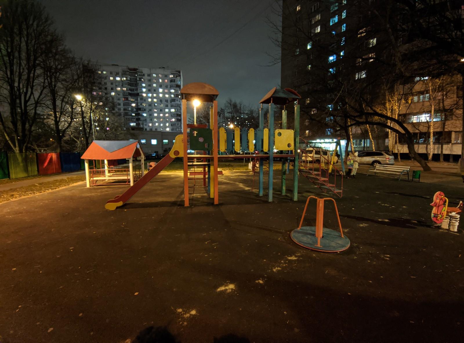 Пример фото с широкоугольной камеры Poco X3 Google Camera (ночь)