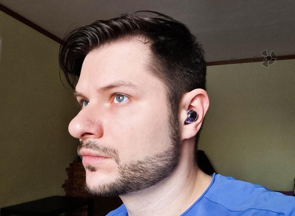 Посадка Samsung Galaxy Buds Pro в ушах и удобство