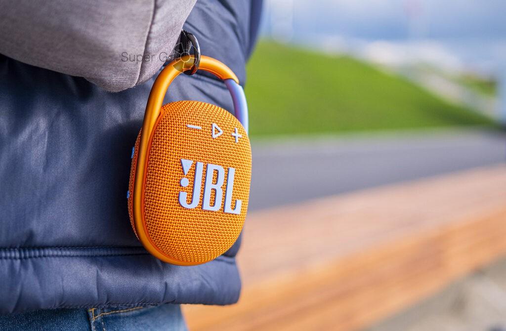 Карабин JBL Clip 4